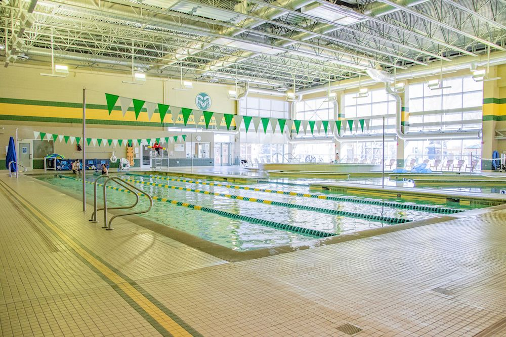 A photo of the Aquatic Center within the Student Recreation Center